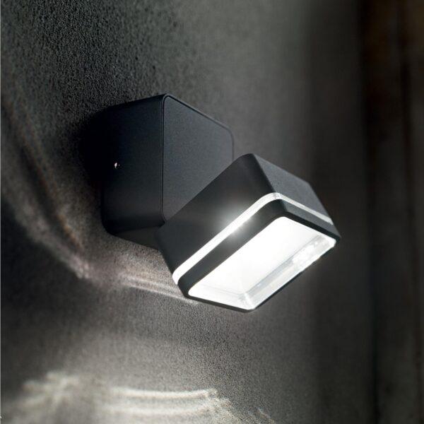 Sieninis lauko LED šviestuvas